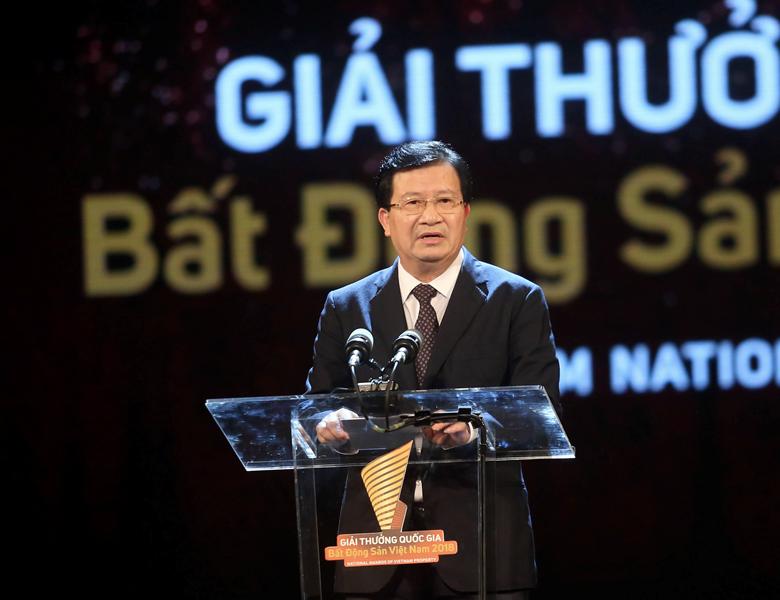 Phó Thủ tướng Chính phủ Trịnh Đình Dũng phát biểu tại Lễ trao giải.