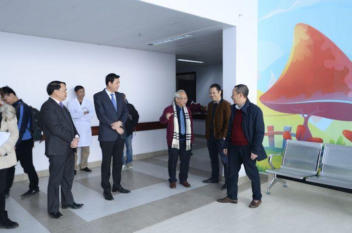 Bệnh nhi tại Bệnh viện Nhi Trung ương có thêm sân chơi mới