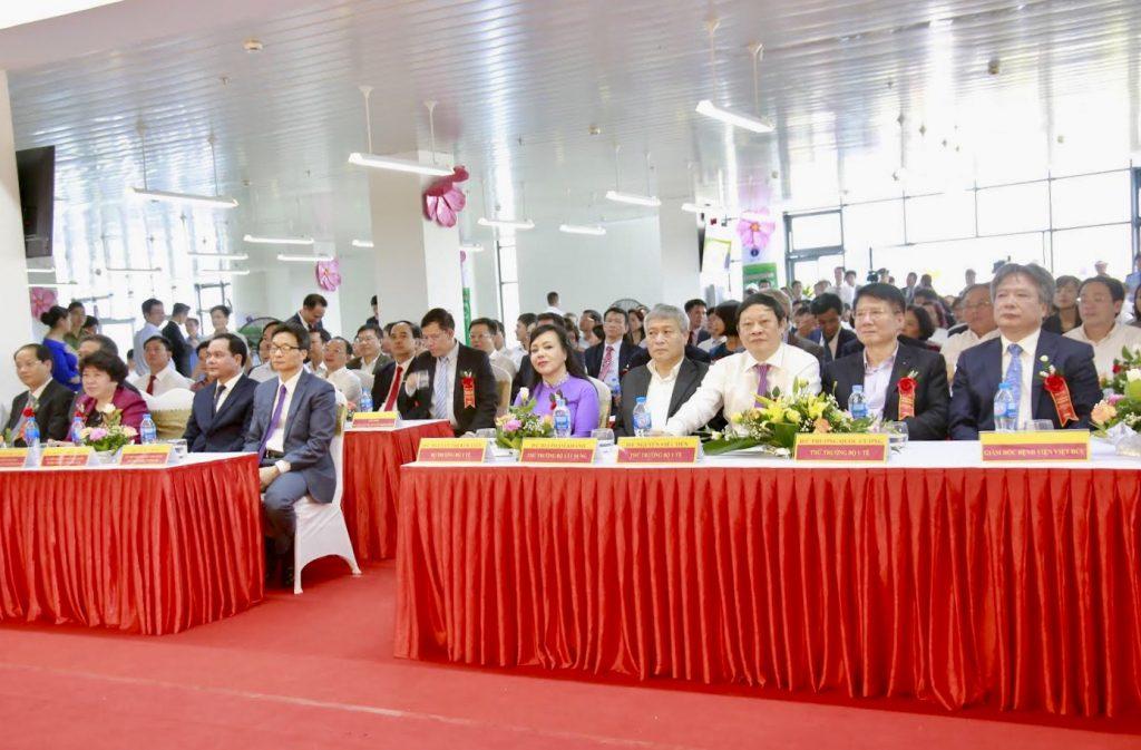 Các đại biểu tham dự lễ khánh thành Bệnh viện Việt Đức cơ sở 2