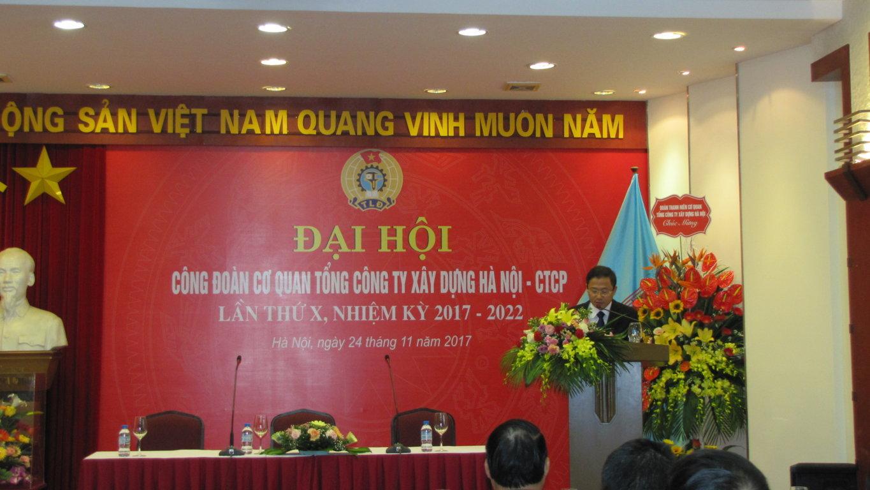 Đồng chí Hoàng Việt Anh thay mặt Ban tổ chức điều hành đại hội