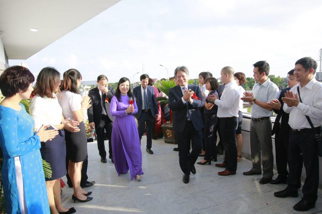 Bộ trưởng Bộ Y tế Nguyễn Thị Kim Tiến tham dự lễ khai trương cơ sơ 2 của Bệnh viện Việt Đức