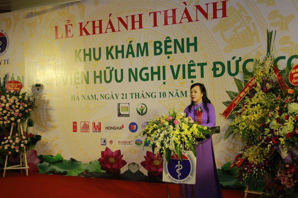 Bộ trưởng Bộ Y tế Nguyễn Thị Kim Tiến phát biểu tại lễ khánh thành Bệnh viện Hữu nghị Việt Đức cơ sở 2