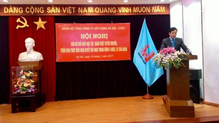 Đồng chí Bùi Xuân Dũng - Bí thư đảng ủy, Chủ tịch HĐQT Tổng công ty phát biểu tại hội nghị