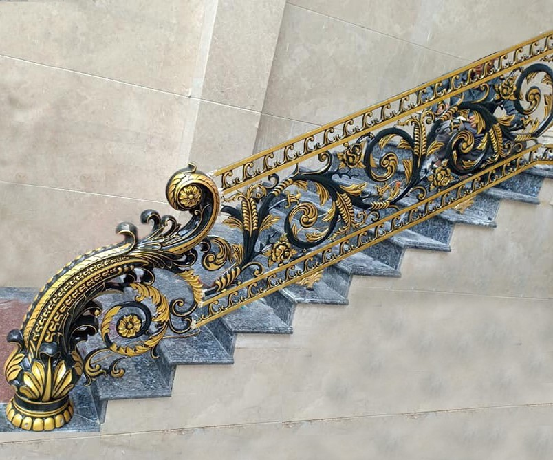 thành cầu thang nhôm đúc