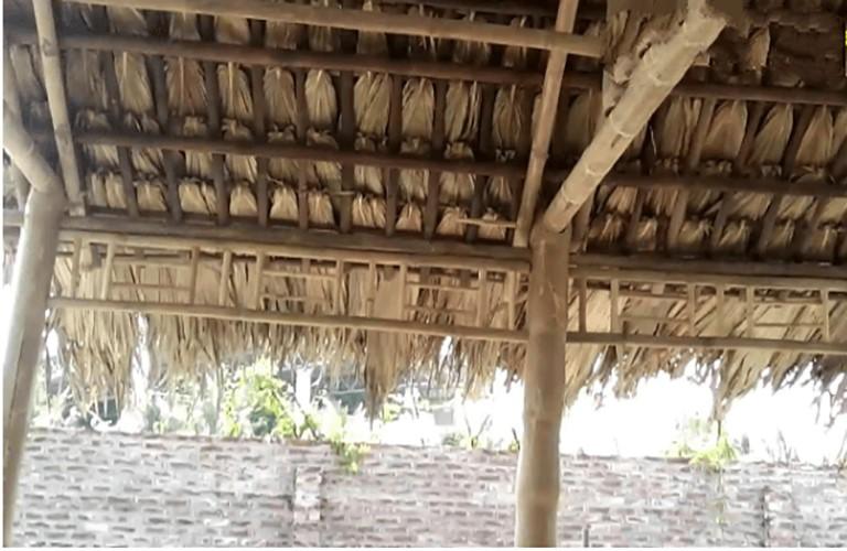 Mái che sân thượng bằng lá cọ