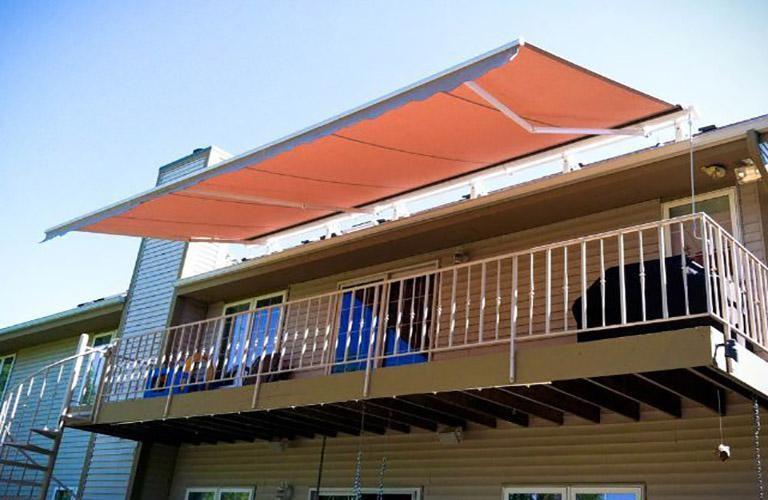 Mái che sân thượng làm bằng vải bạt