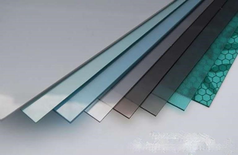 Tấm nhựa thông minh polycarbonate đặc ruột